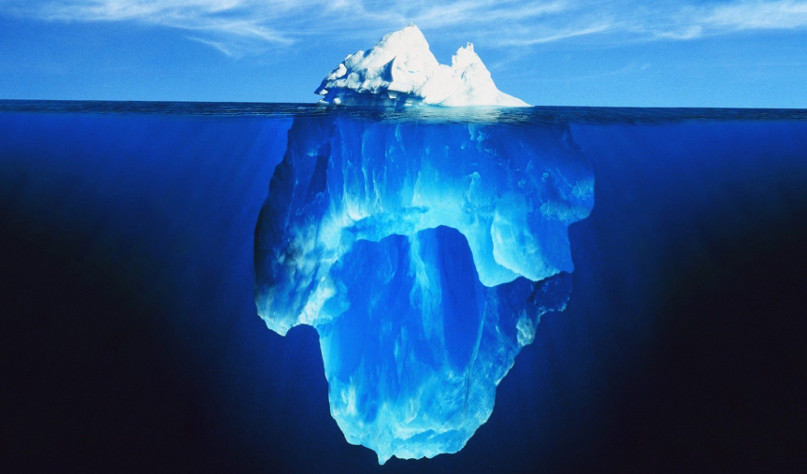 Почему большая часть айсберга находится под водой