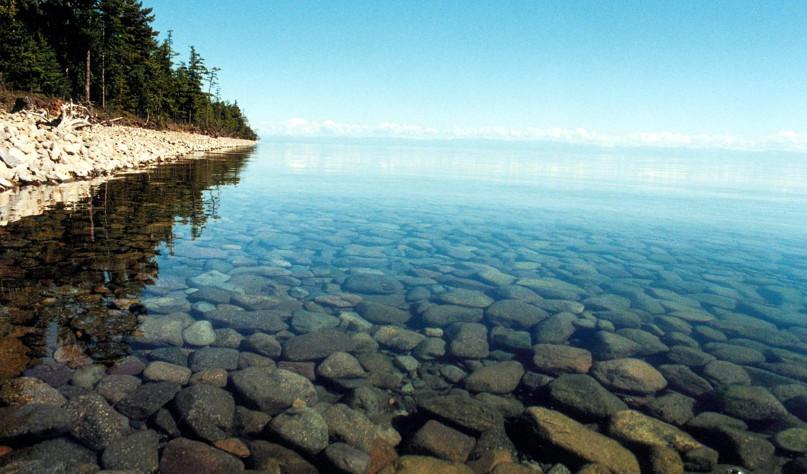 Почему вода в Байкале чистая и прозрачная