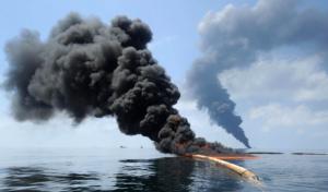 Почему нельзя потушить водой горящую нефть