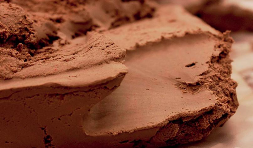 Почему глина не пропускает воду