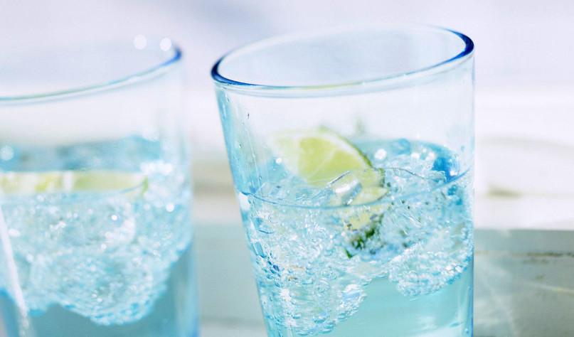 Почему вредно пить газированную воду