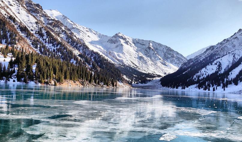 Почему вода не замерзает под слоем льда