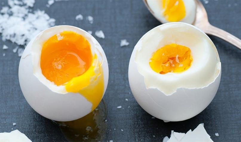 зачем солить воду при варке яиц