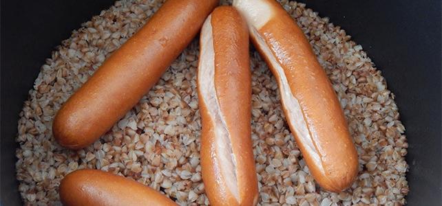 Почему сосиски при варке лопаются
