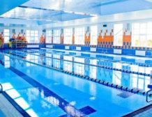 Почему образуются хлопья в воде бассейна